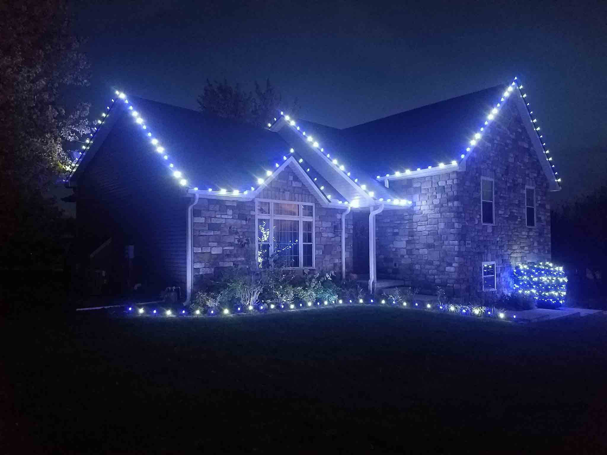 give yourself the gift of one less thing to worry about this holiday season by contacting we hang christmas lights today