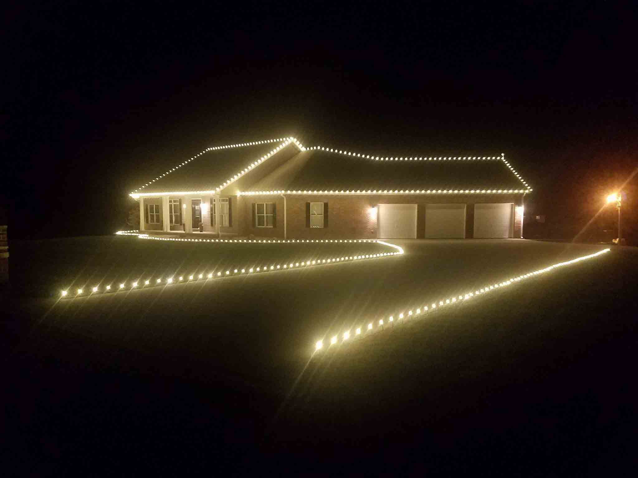 3 worthwhile benefits of having someone else take down your lights - When To Take Down Christmas Lights